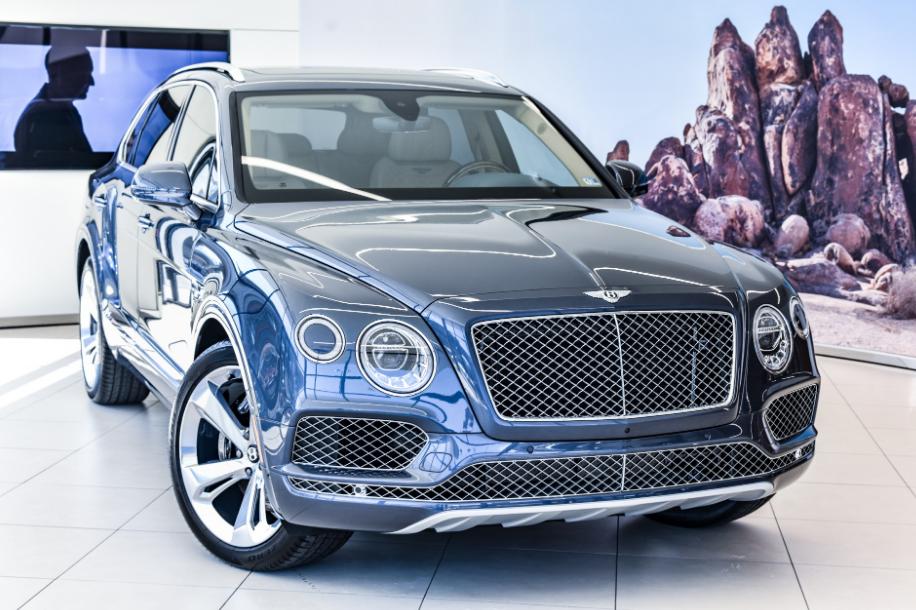 2021 Bentley Bentayga Mulliner Engine